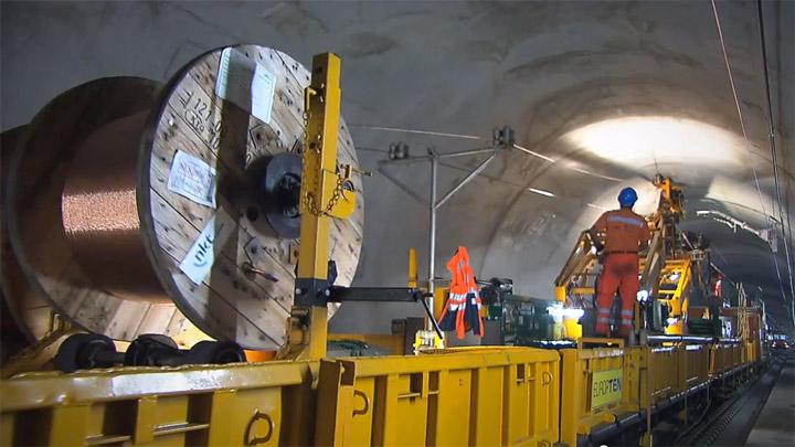 Bahntechnik für den Gotthardtunnel